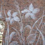 kindermonument rood graniet