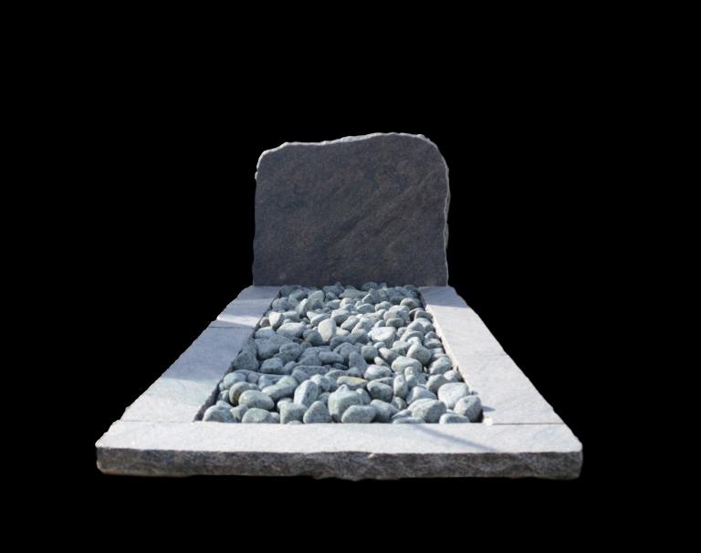 Ruw bekapt gevlamd graniet grafmonument
