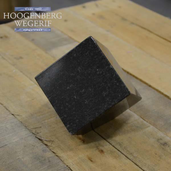 Bijzetsteen donker grijs graniet