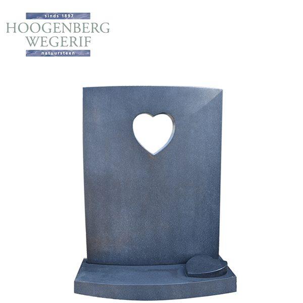 Grafsteen met uitgezaagde hartvorm